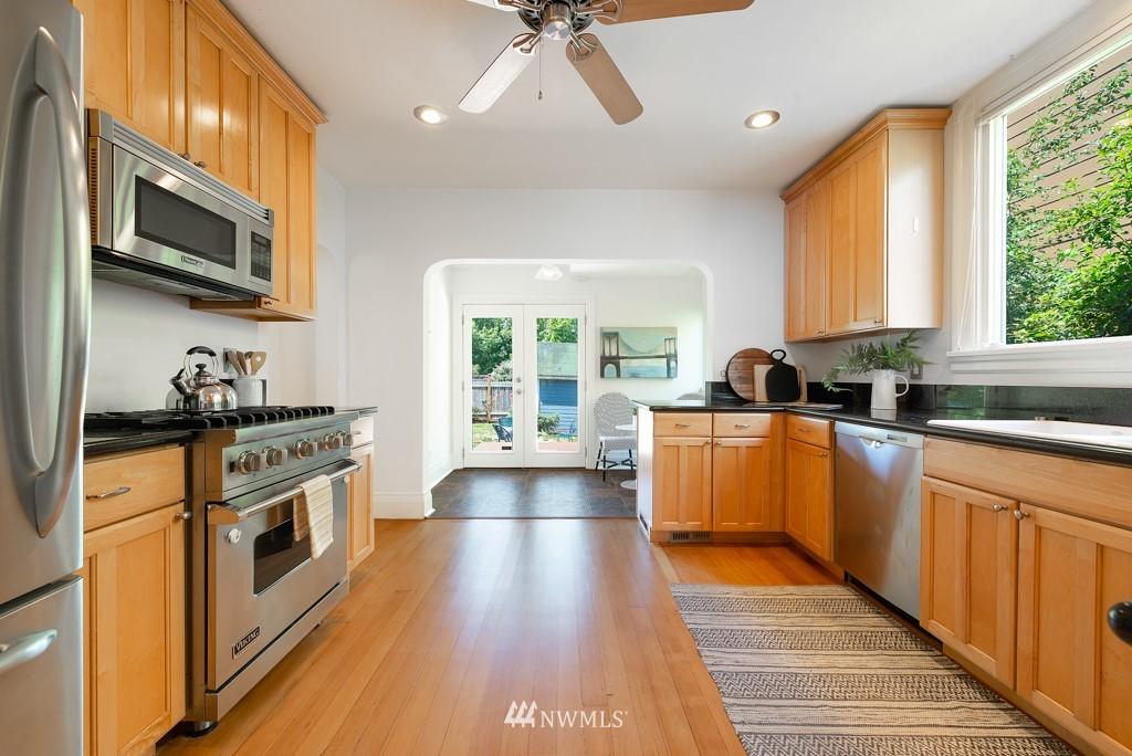 Sold Property | 227 22nd Avenue E Seattle, WA 98112 6