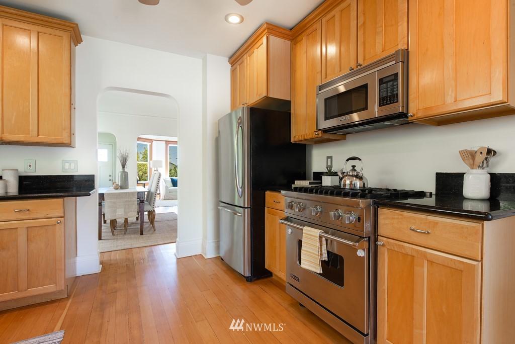 Sold Property | 227 22nd Avenue E Seattle, WA 98112 5