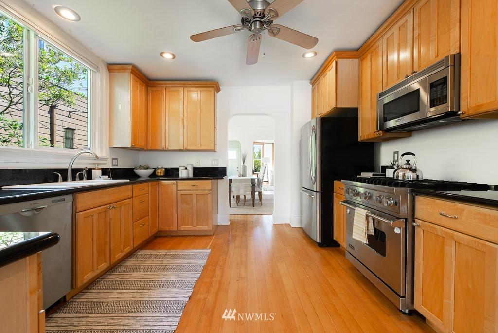Sold Property | 227 22nd Avenue E Seattle, WA 98112 7