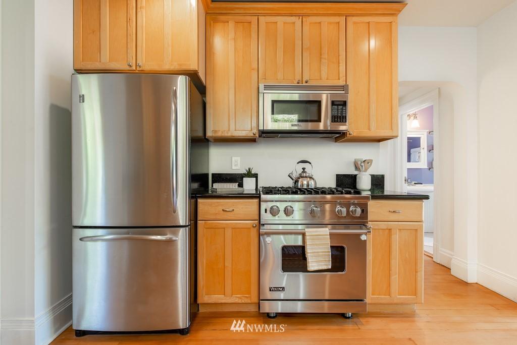 Sold Property | 227 22nd Avenue E Seattle, WA 98112 9