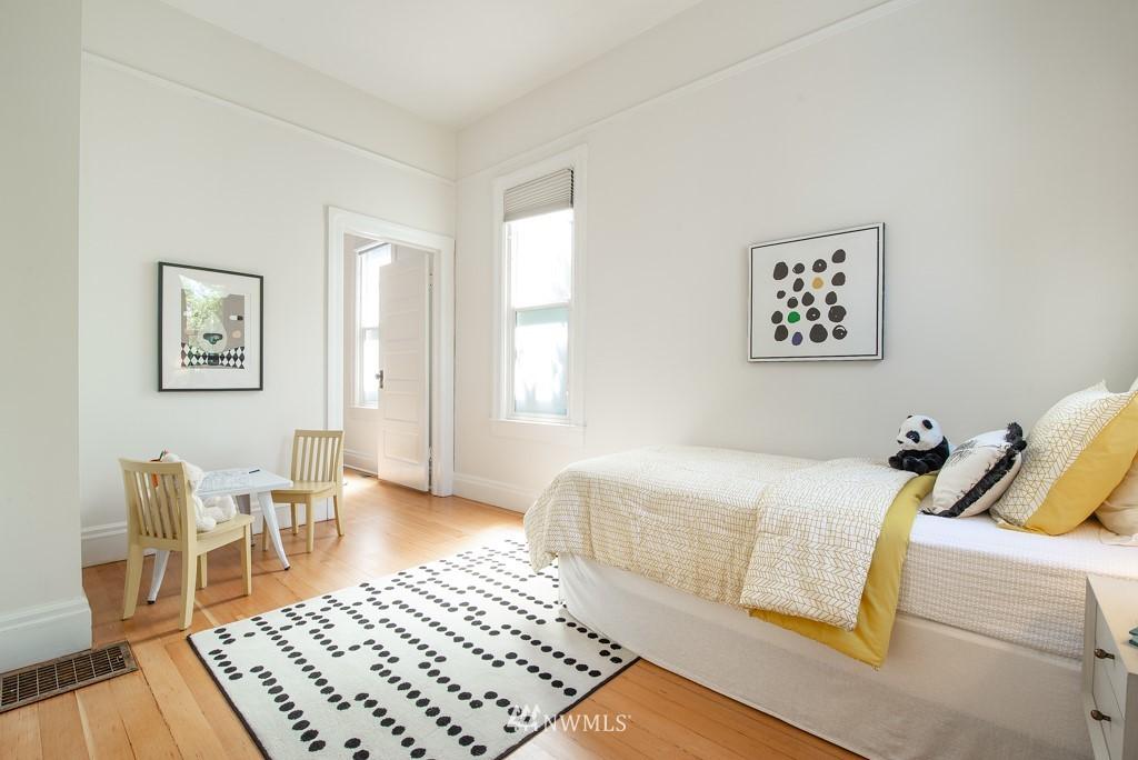 Sold Property | 227 22nd Avenue E Seattle, WA 98112 19