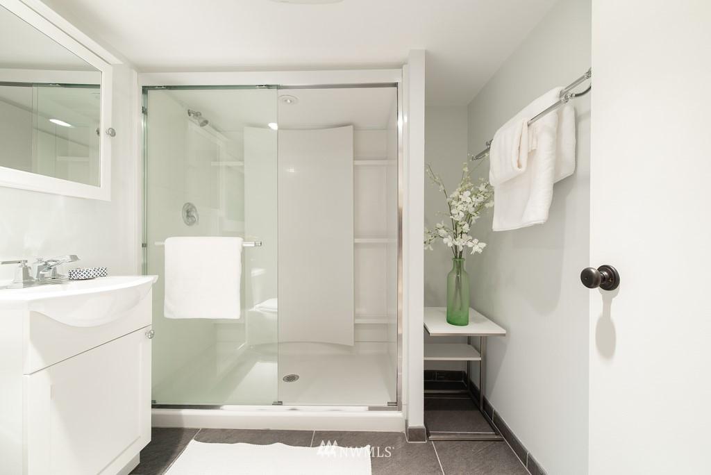 Sold Property | 227 22nd Avenue E Seattle, WA 98112 25