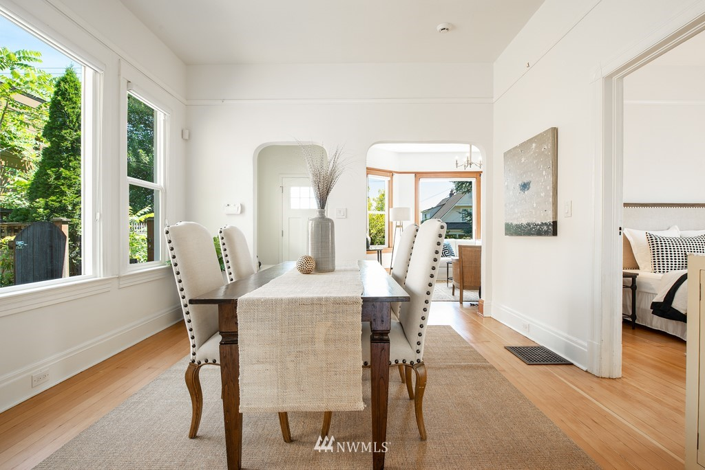 Sold Property | 227 22nd Avenue E Seattle, WA 98112 11