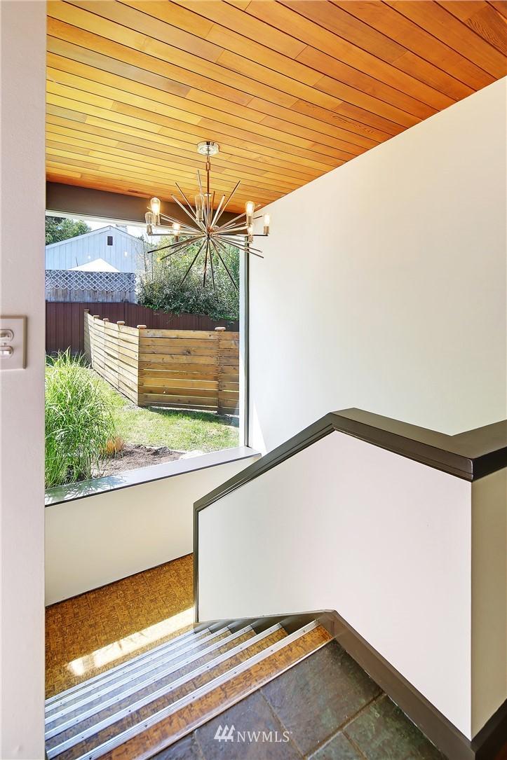 Sold Property | 10033 31st Avenue NE Seattle, WA 98125 4