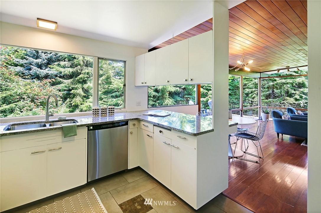 Sold Property | 10033 31st Avenue NE Seattle, WA 98125 13