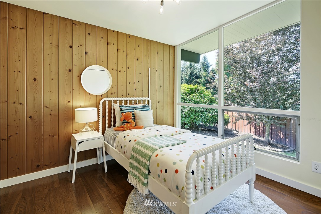 Sold Property | 10033 31st Avenue NE Seattle, WA 98125 16