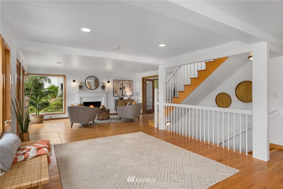 Sold Property   6550 48th Avenue NE Seattle, WA 98115 4