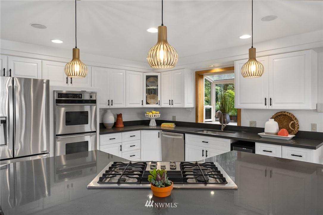 Sold Property   6550 48th Avenue NE Seattle, WA 98115 19