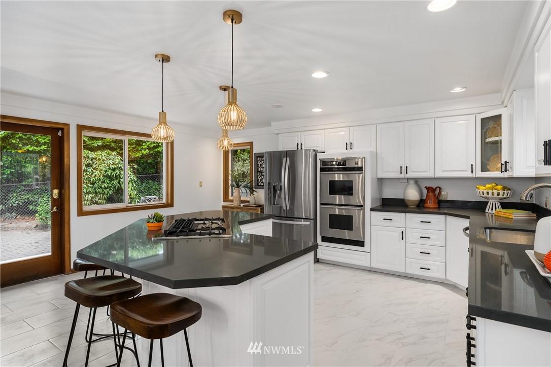 Sold Property   6550 48th Avenue NE Seattle, WA 98115 20