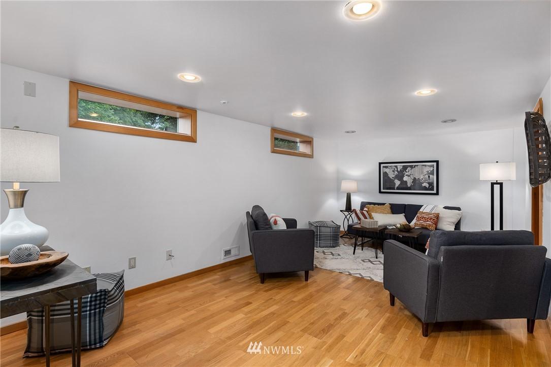 Sold Property   6550 48th Avenue NE Seattle, WA 98115 32