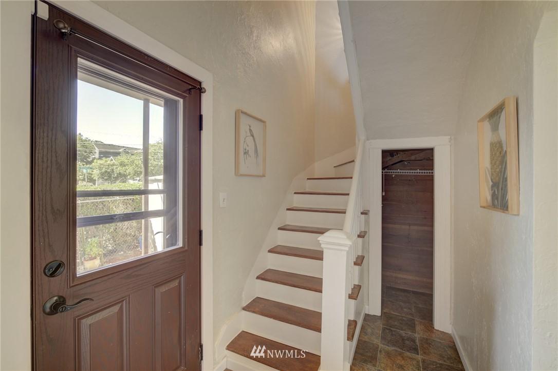 Sold Property | 3306 S Oregon Street Seattle, WA 98118 3