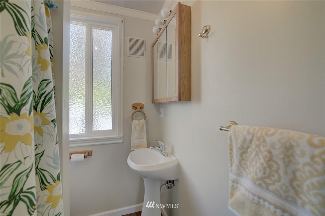 Sold Property | 3306 S Oregon Street Seattle, WA 98118 13