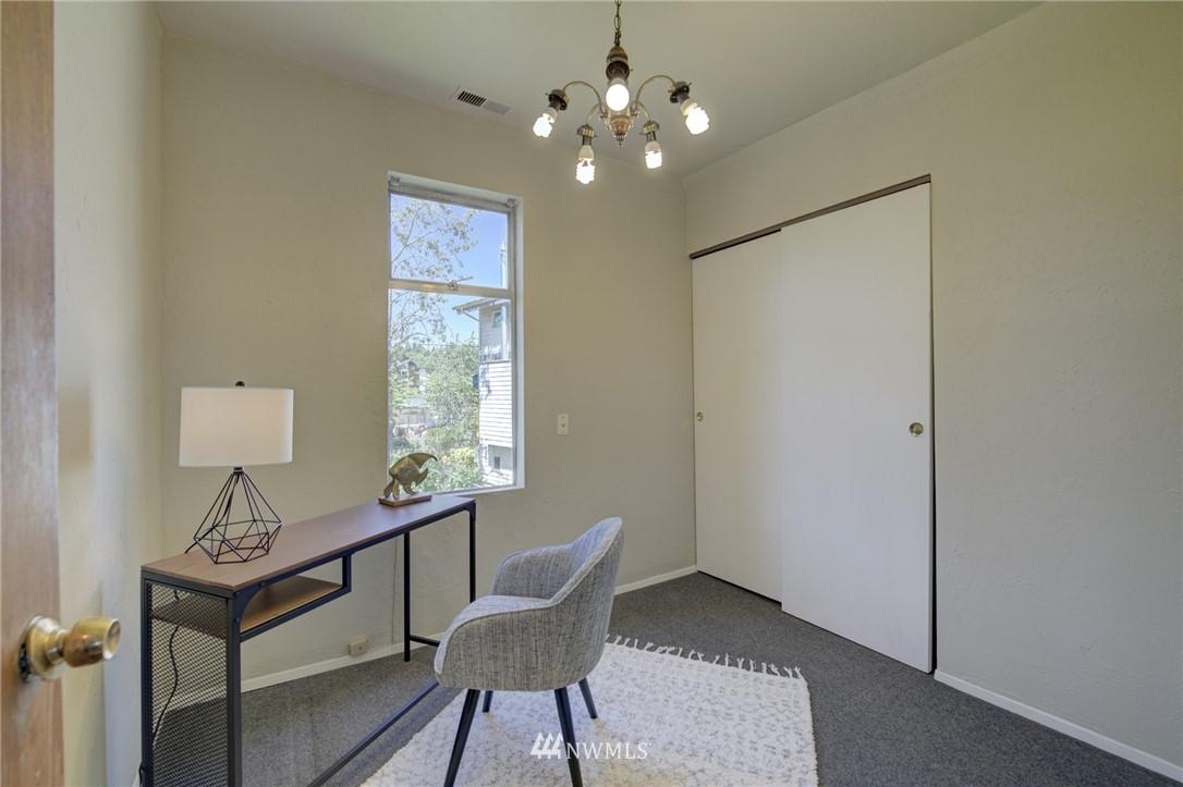 Sold Property | 3306 S Oregon Street Seattle, WA 98118 17