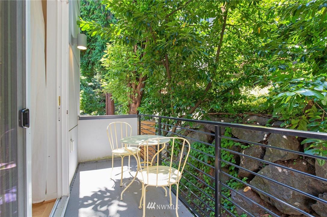 Sold Property | 1505 15th Avenue S #B Seattle, WA 98144 10