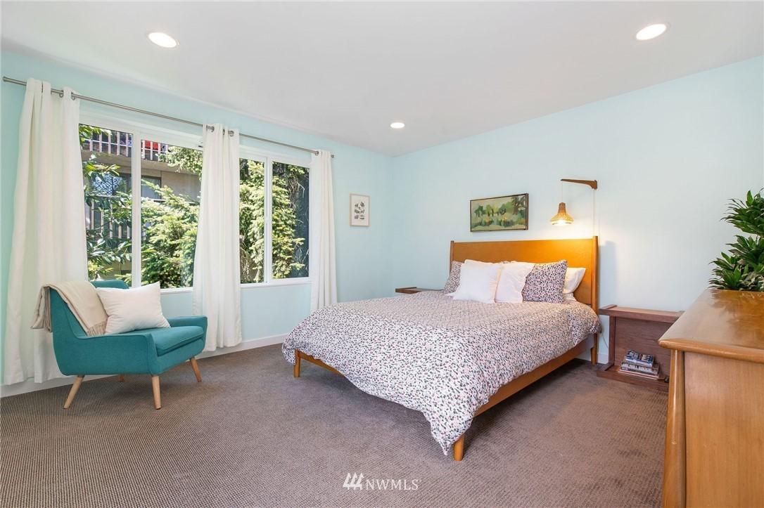 Sold Property | 1505 15th Avenue S #B Seattle, WA 98144 13
