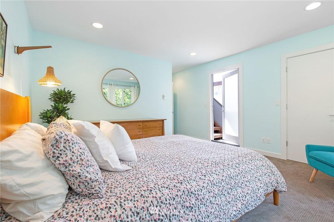 Sold Property | 1505 15th Avenue S #B Seattle, WA 98144 15