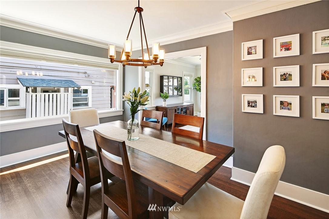 Sold Property | 324 NE 52nd Street Seattle, WA 98105 9