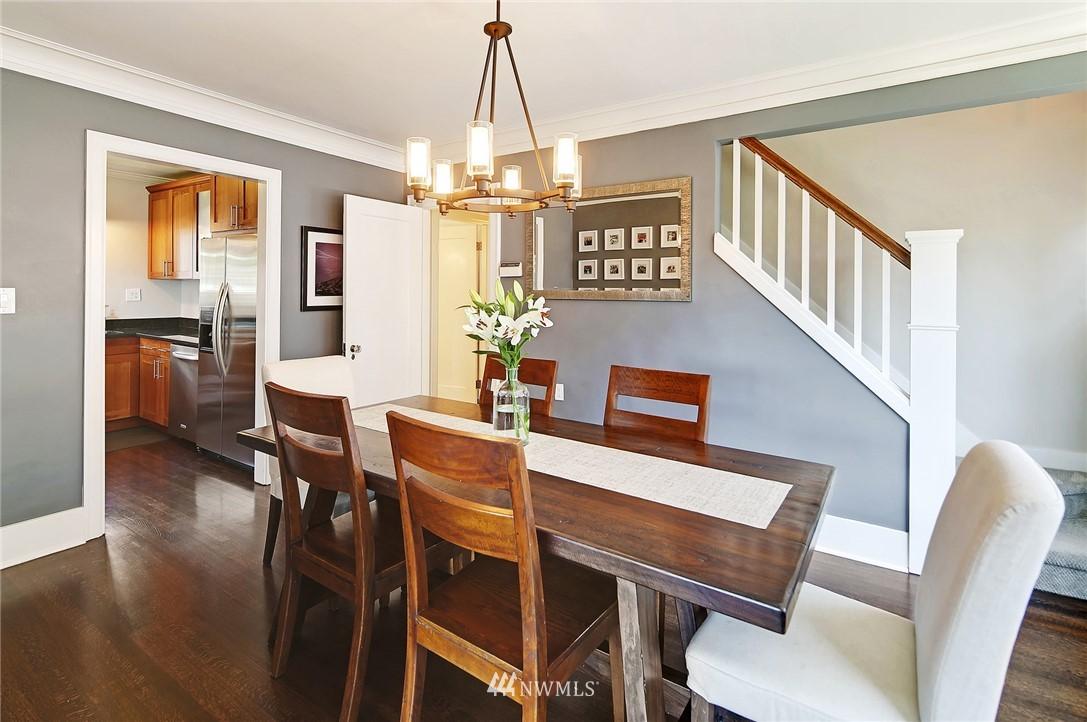 Sold Property | 324 NE 52nd Street Seattle, WA 98105 11