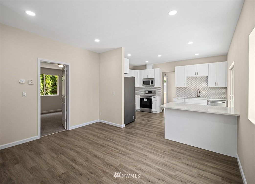 Sold Property   3611 E i Street Tacoma, WA 98404 8