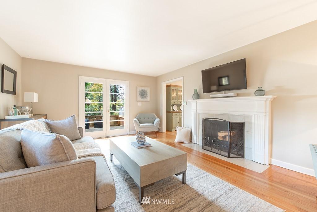 Sold Property | 10747 Sand Point Way NE Seattle, WA 98125 3