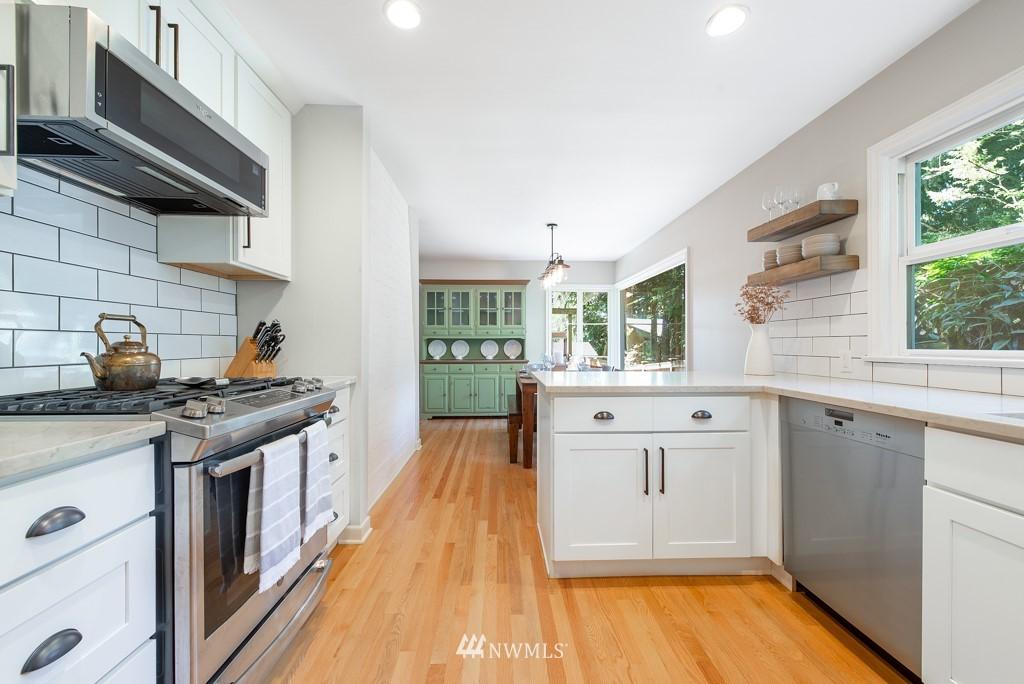 Sold Property | 10747 Sand Point Way NE Seattle, WA 98125 8