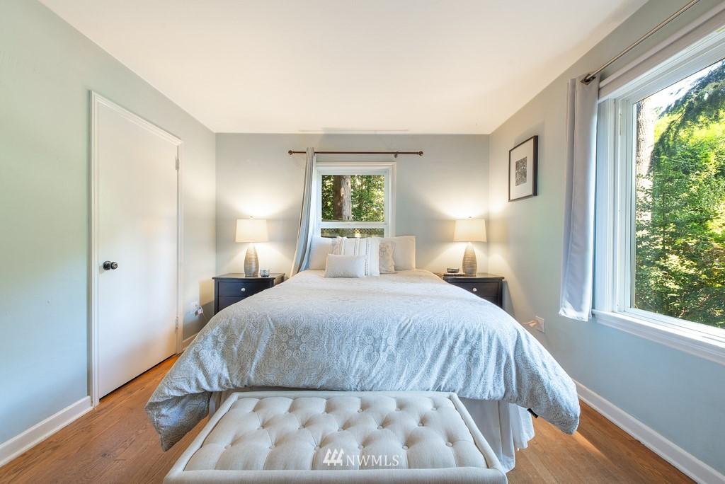 Sold Property | 10747 Sand Point Way NE Seattle, WA 98125 14