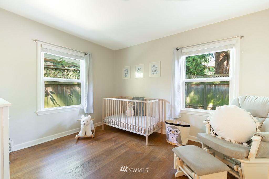 Sold Property | 10747 Sand Point Way NE Seattle, WA 98125 17