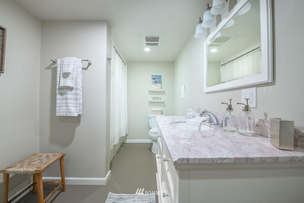Sold Property | 10747 Sand Point Way NE Seattle, WA 98125 21