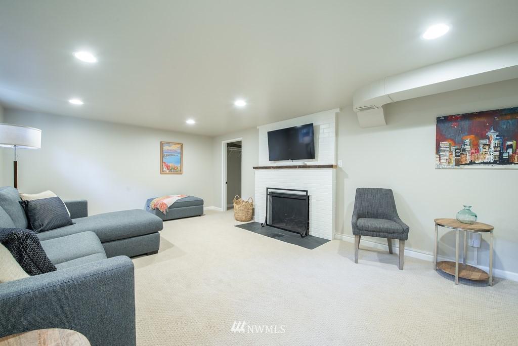 Sold Property | 10747 Sand Point Way NE Seattle, WA 98125 23