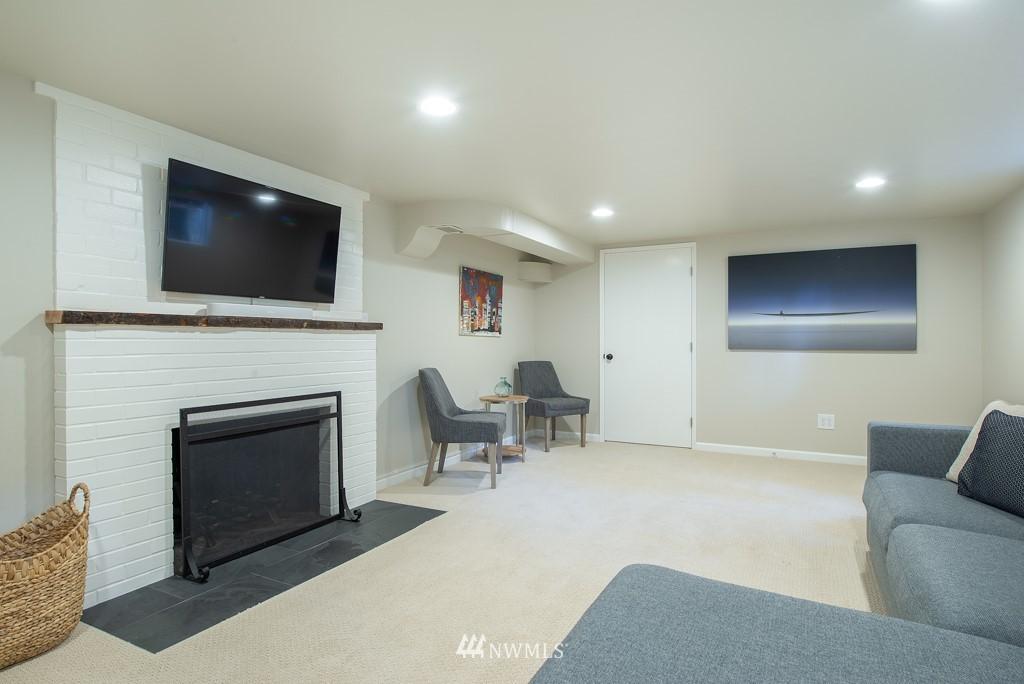 Sold Property | 10747 Sand Point Way NE Seattle, WA 98125 25
