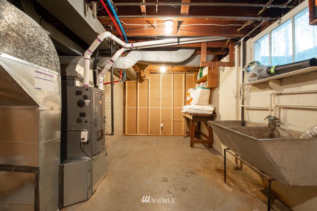 Sold Property | 10747 Sand Point Way NE Seattle, WA 98125 30