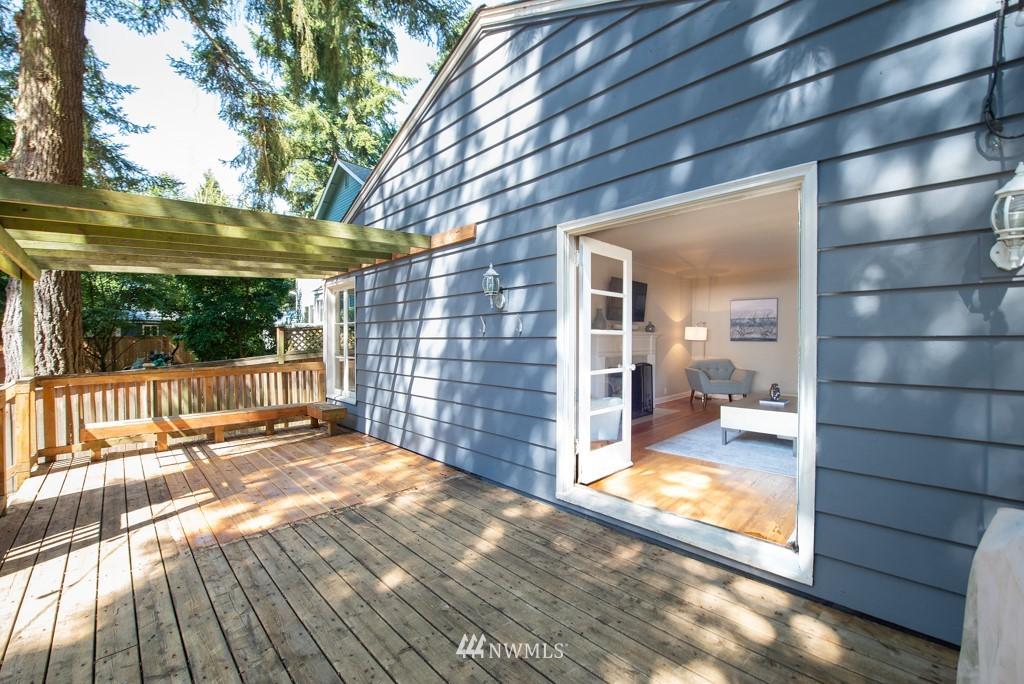 Sold Property | 10747 Sand Point Way NE Seattle, WA 98125 31