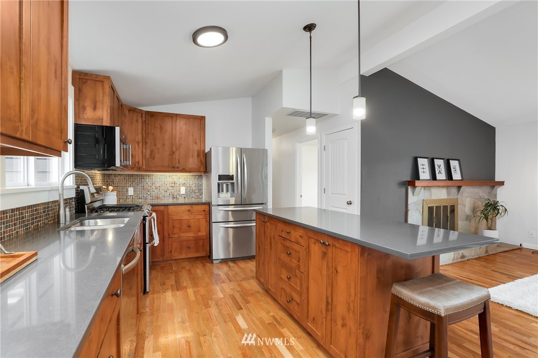 Sold Property | 20430 79th Avenue W Edmonds, WA 98026 10