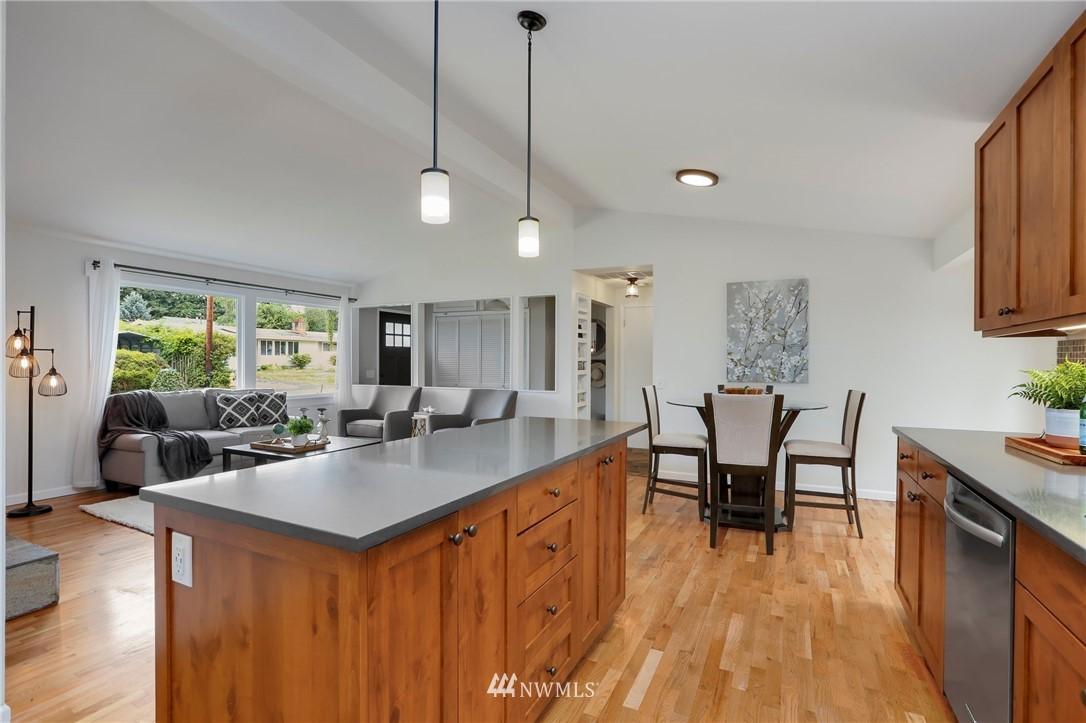 Sold Property | 20430 79th Avenue W Edmonds, WA 98026 11