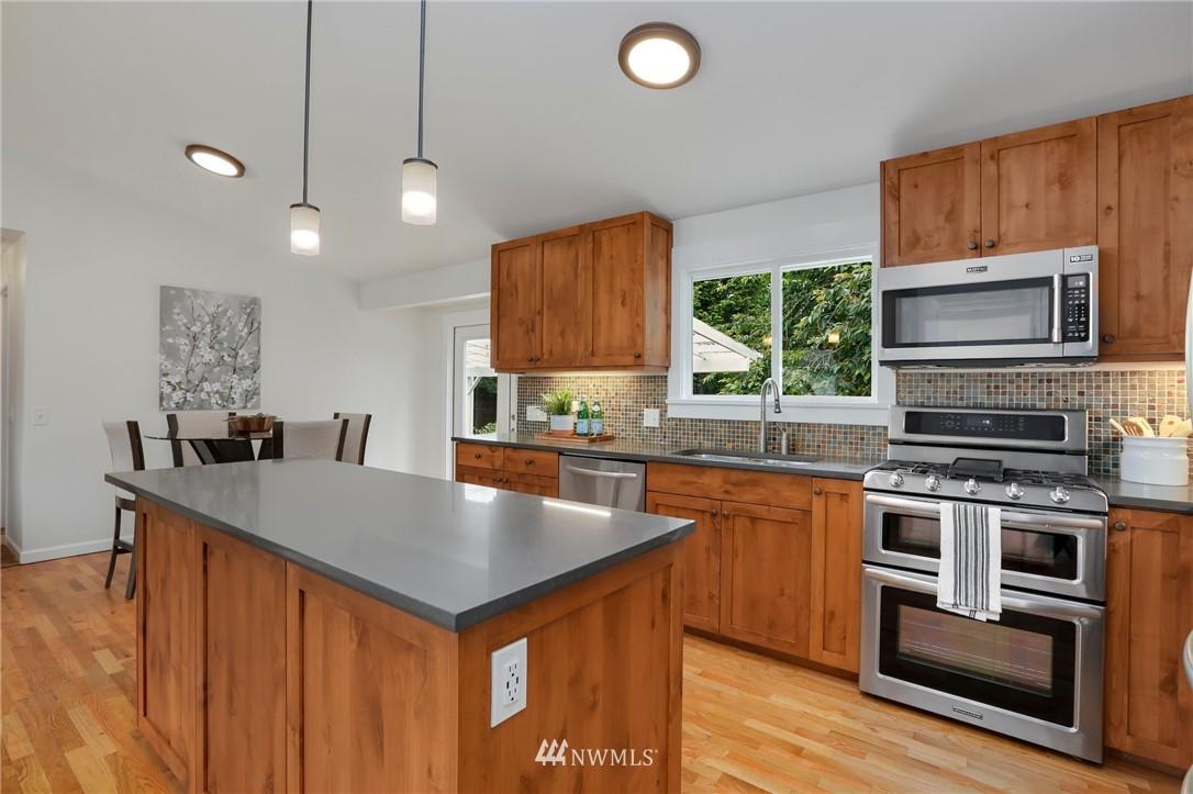 Sold Property | 20430 79th Avenue W Edmonds, WA 98026 12