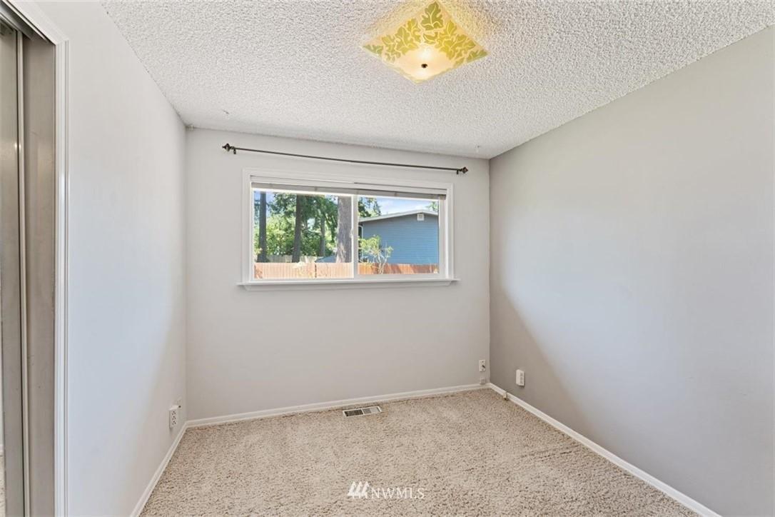 Sold Property | 21902 49th Place W Mountlake Terrace, WA 98043 15