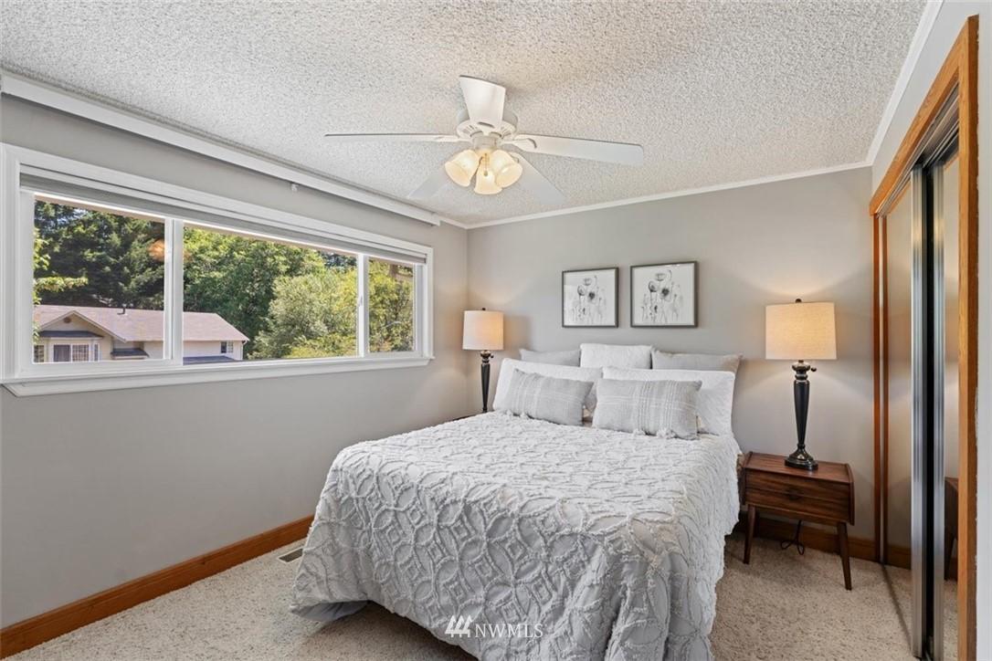 Sold Property | 21902 49th Place W Mountlake Terrace, WA 98043 18