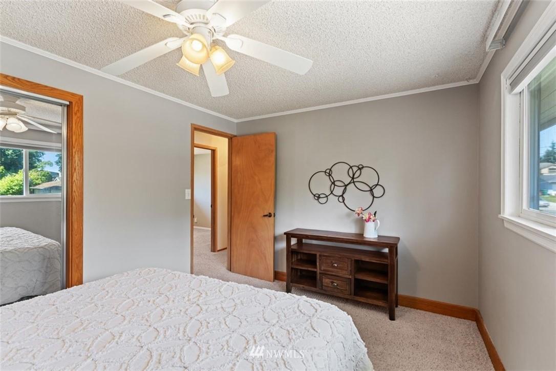 Sold Property | 21902 49th Place W Mountlake Terrace, WA 98043 20