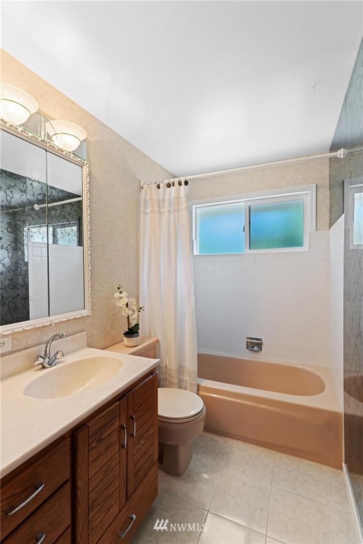 Sold Property | 21902 49th Place W Mountlake Terrace, WA 98043 17