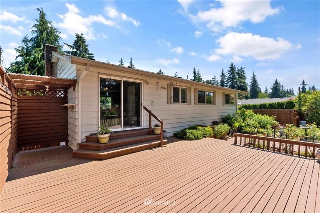 Sold Property | 21902 49th Place W Mountlake Terrace, WA 98043 32
