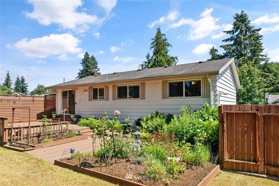 Sold Property | 21902 49th Place W Mountlake Terrace, WA 98043 37