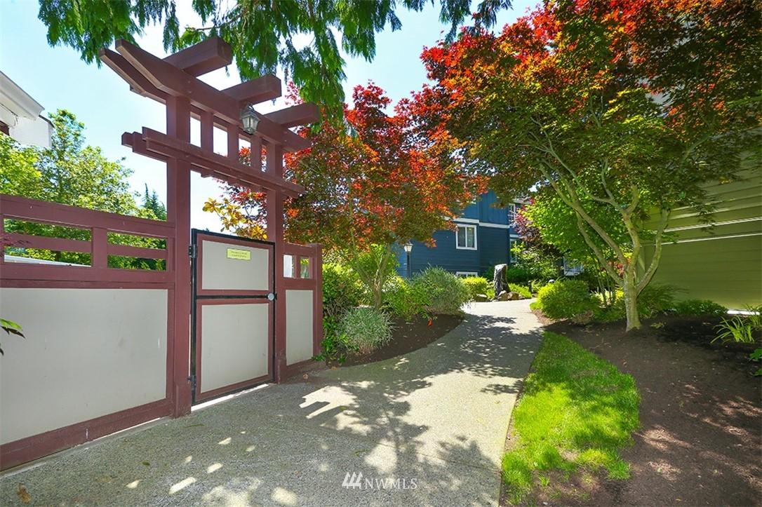 Sold Property | 300 N 130th Street #1303 Seattle, WA 98133 19