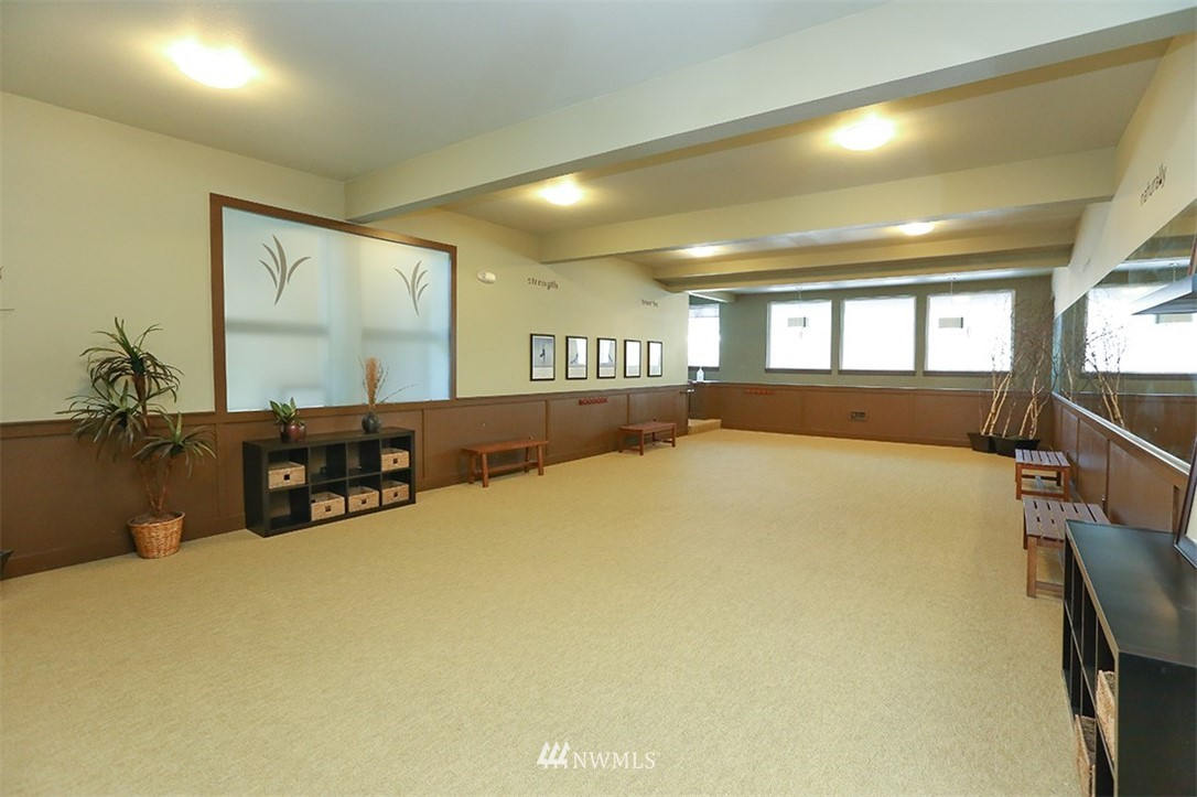 Sold Property | 300 N 130th Street #1303 Seattle, WA 98133 24