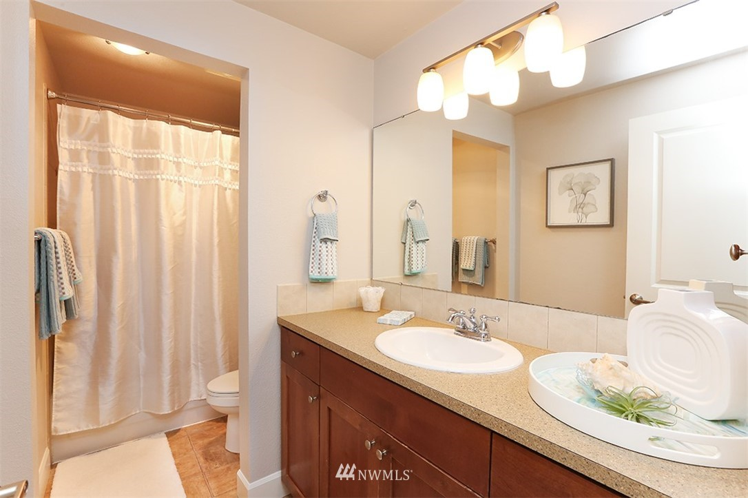 Sold Property | 300 N 130th Street #1303 Seattle, WA 98133 18