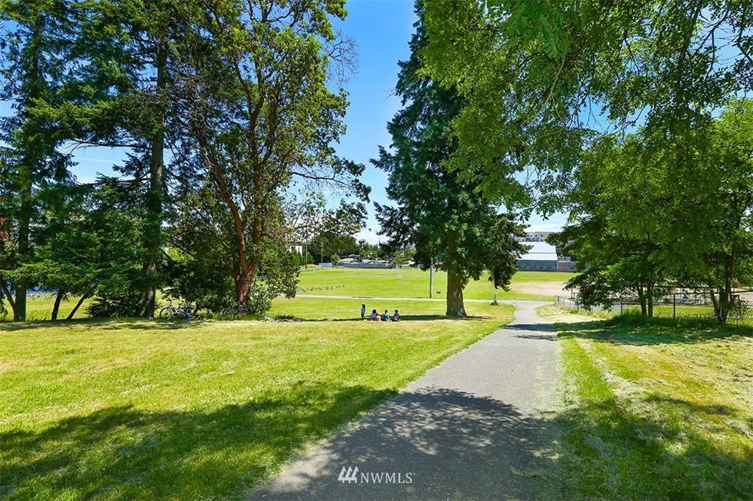 Sold Property | 300 N 130th Street #1303 Seattle, WA 98133 28