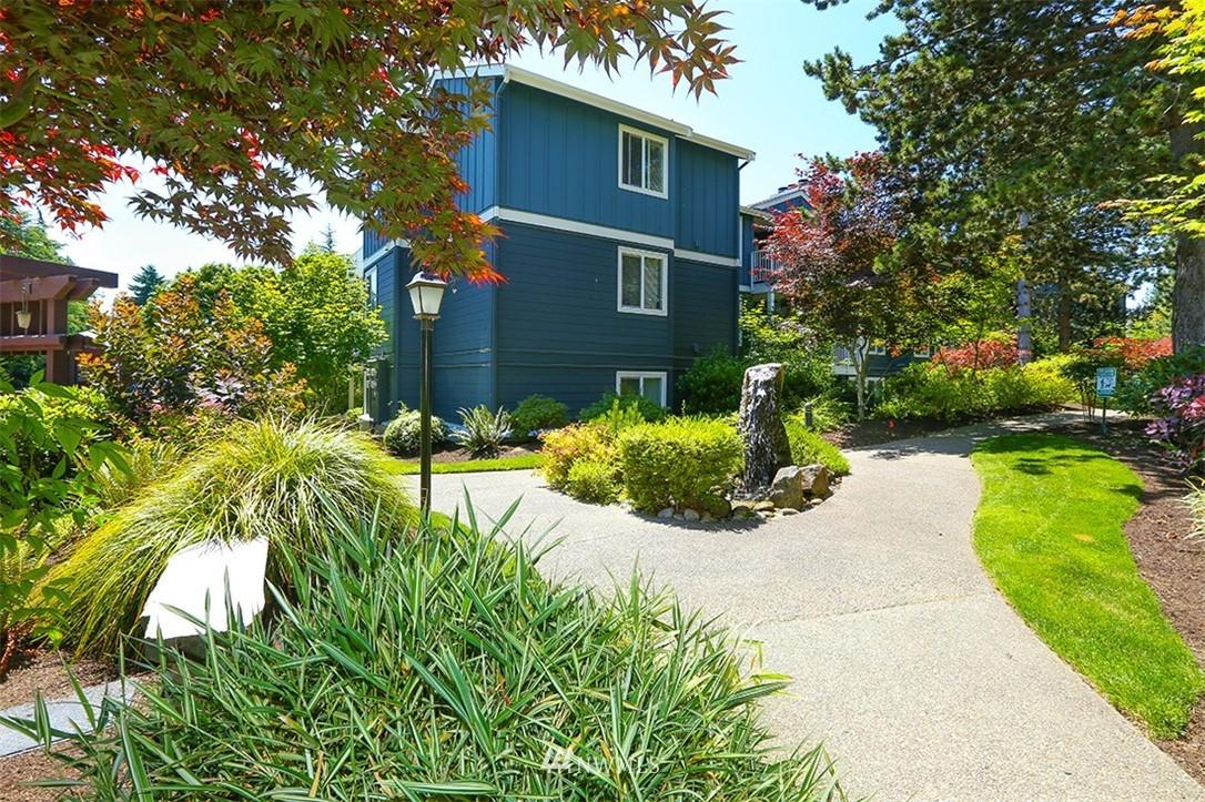 Sold Property | 300 N 130th Street #1303 Seattle, WA 98133 26