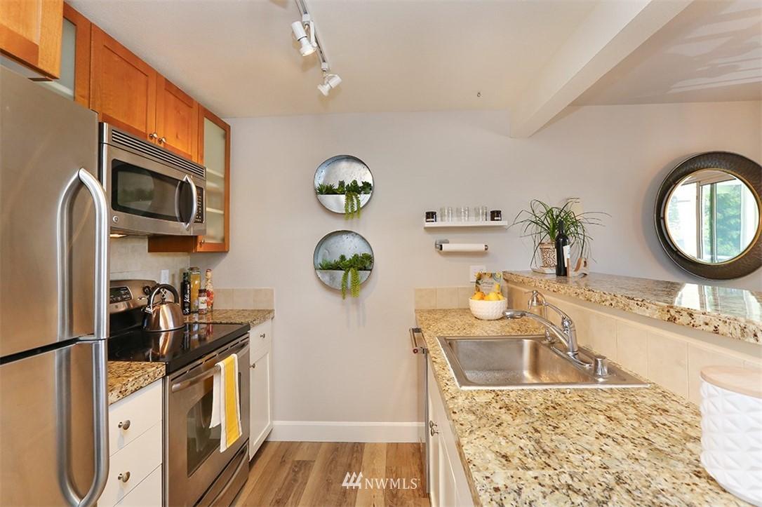 Sold Property | 300 N 130th Street #1303 Seattle, WA 98133 6