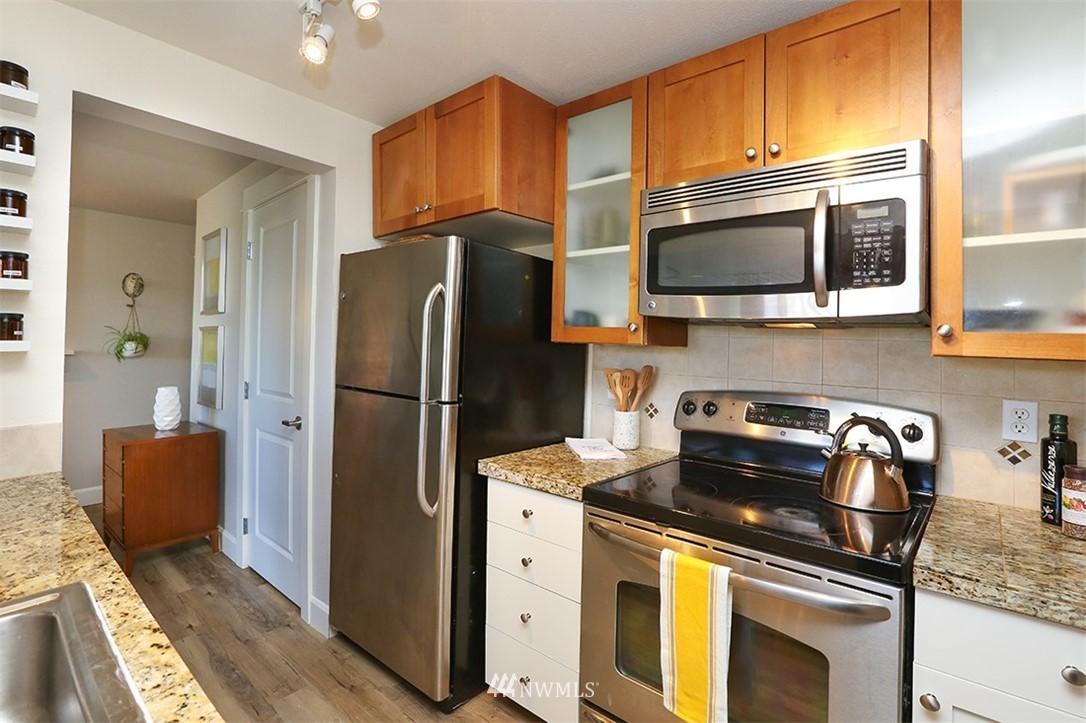 Sold Property | 300 N 130th Street #1303 Seattle, WA 98133 7