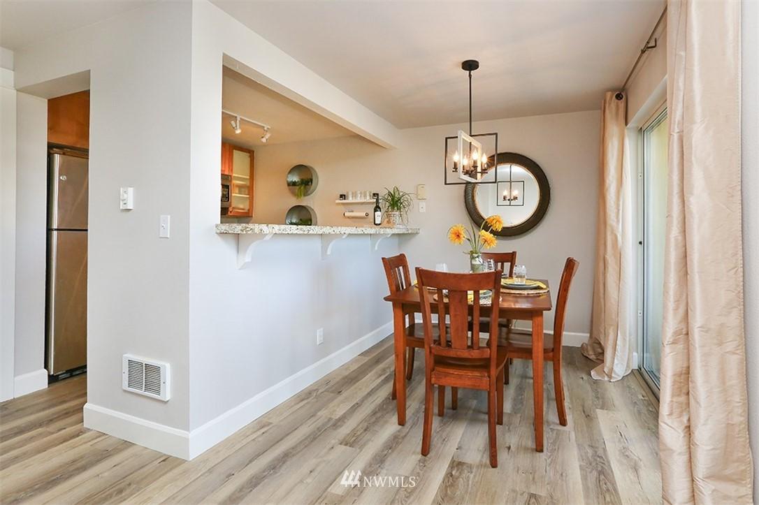 Sold Property | 300 N 130th Street #1303 Seattle, WA 98133 5