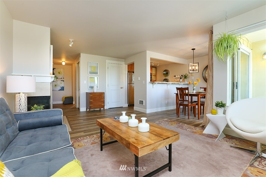 Sold Property | 300 N 130th Street #1303 Seattle, WA 98133 4